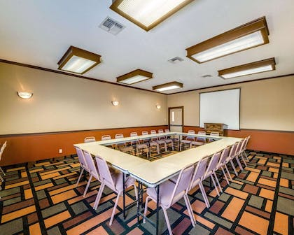 Meeting room | Econo Lodge Inn & Suites Eagle Pass