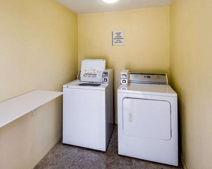 Guest laundry facilities | Econo Lodge Inn & Suites Eagle Pass