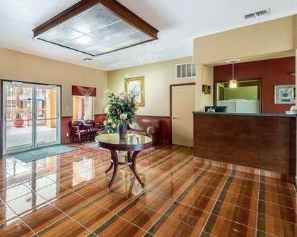 Spacious lobby | Econo Lodge Inn & Suites Eagle Pass
