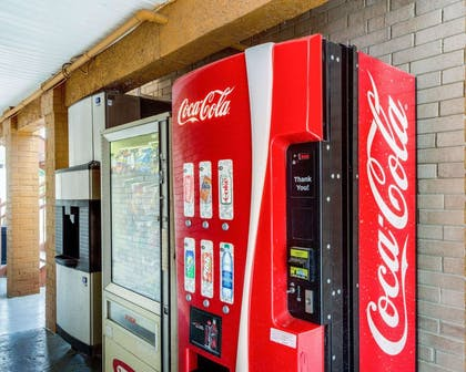Hotel vending areas | Econo Lodge Inn & Suites Eagle Pass