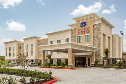 Hotel near popular attractions | Comfort Suites Houston I-45 North