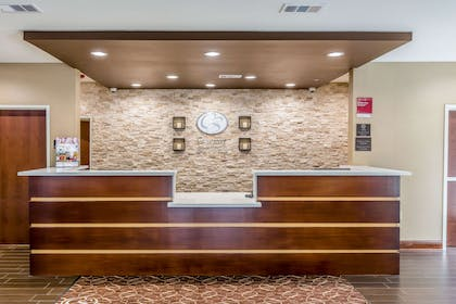 Front desk with friendly staff | Comfort Suites Houston I-45 North