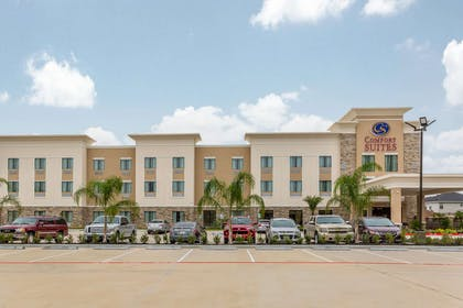 Hotel exterior | Comfort Suites Houston I-45 North