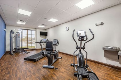 Fitness center | Comfort Suites Houston I-45 North