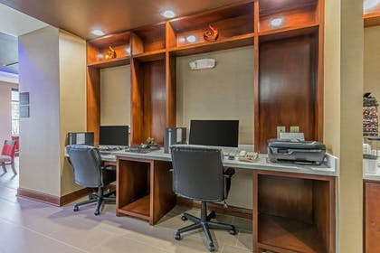Business center | Comfort Suites Houston I-45 North