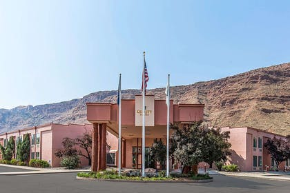 Quality Suites hotel in Moad, UT | Quality Suites