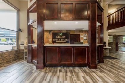 Front desk | Quality Inn & Suites Murray – Salt Lake City South