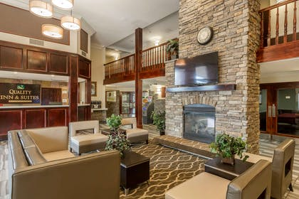 Spacious lobby | Quality Inn & Suites Murray – Salt Lake City South