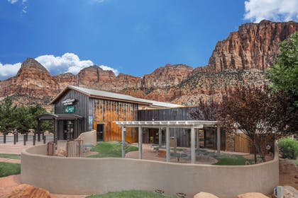 Hotel near popular attractions | Quality Inn Springdale at Zion Park