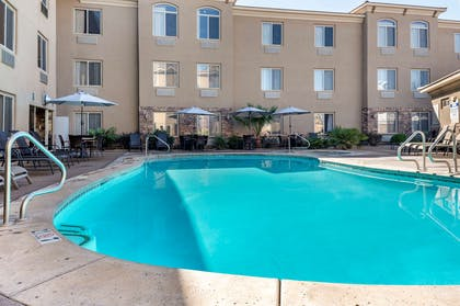 Outdoor pool | Comfort Inn at Convention Center
