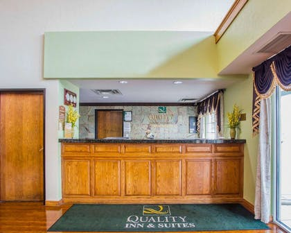 Front desk with friendly staff | Quality Inn & Suites Airport West