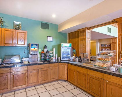 Free hot breakfast buffet | Quality Inn & Suites Airport West