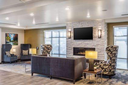 Lobby with sitting area | Comfort Inn & Suites Salt Lake City Airport