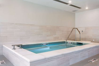 Indoor hot tub | Comfort Inn & Suites Salt Lake City Airport