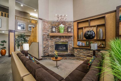 Lobby with sitting area | Comfort Suites Ogden Conference Center