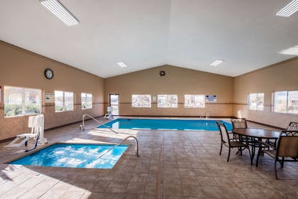 Indoor pool with hot tub | Comfort Inn Green River