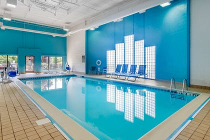 Indoor pool | Comfort Suites South Park