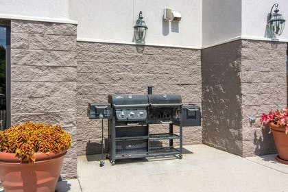 Barbecue area | Comfort Suites South Park