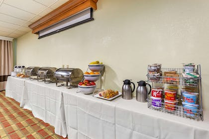 Large space for receptions, parties, anniversaries, and business | Comfort Suites Leesburg