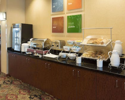 Free breakfast buffet | Comfort Suites Fredericksburg North