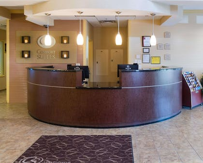 Front desk with friendly staff | Comfort Suites Fredericksburg North