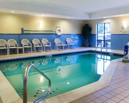 Indoor pool | Comfort Suites Fredericksburg North