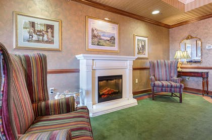 Hotel lobby | Mainstay Suites Airport