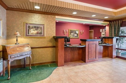 Front desk | Mainstay Suites Airport