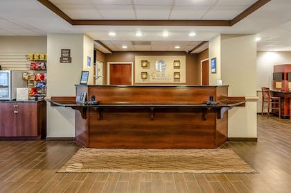 Front desk | Comfort Inn & Suites Christiansburg I-81