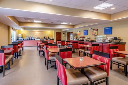 Enjoy breakfast in this seating area | Comfort Inn & Suites Christiansburg I-81