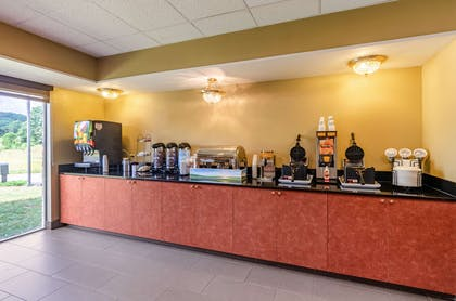 Breakfast counter | Comfort Inn & Suites Christiansburg I-81