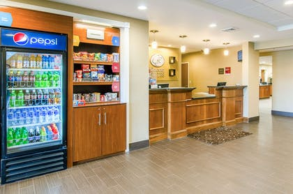 Hotel lobby   Comfort Suites Wytheville