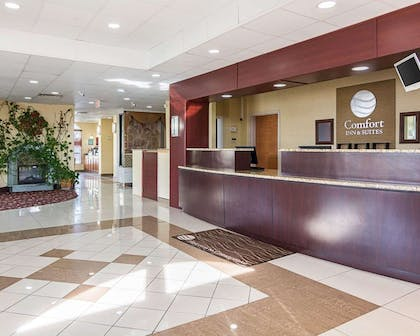 Front desk with friendly staff | Comfort Inn & Suites Chesapeake - Portsmouth
