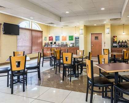 Enjoy breakfast in this seating area | Comfort Inn & Suites Chesapeake - Portsmouth