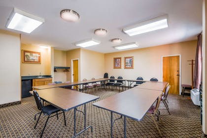 Meeting room | Quality Inn Fredericksburg, Central Park Area