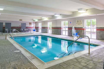 Indoor pool with hot tub | Comfort Suites At Virginia Center Commons