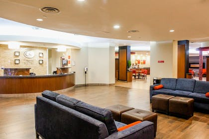 Hotel lobby   Comfort Suites At Virginia Center Commons
