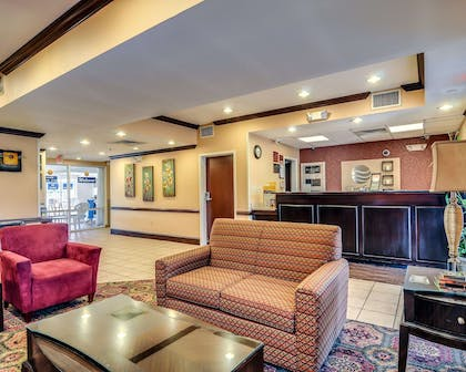 Spacious lobby with sitting area | Comfort Inn Hillsville I-77
