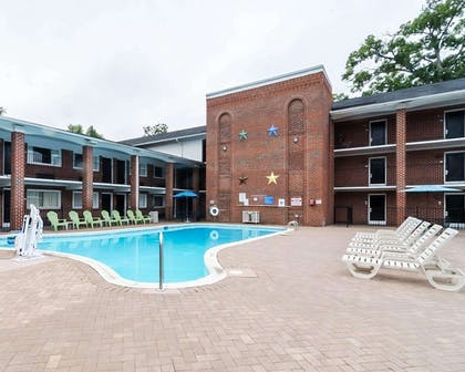 Relax on the sundeck   Quality Inn & Suites Williamsburg Central