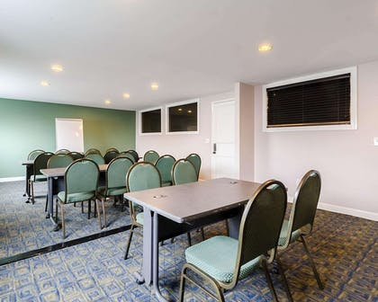 Meeting room   Quality Inn & Suites Williamsburg Central