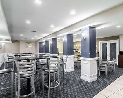 Breakfast area   Quality Inn & Suites Williamsburg Central