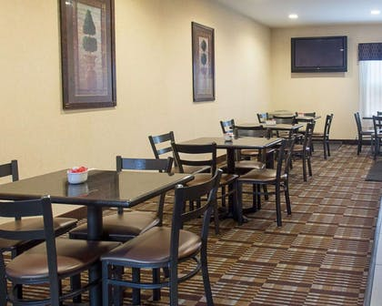Spacious breakfast area | Quality Inn and Suites