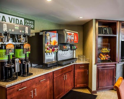 Breakfast area | The Virginian Suites, an Ascend Hotel Collection Member