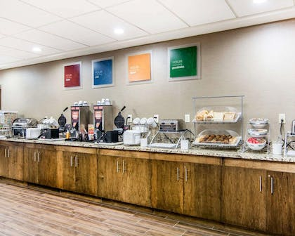 Breakfast counter | Comfort Suites Fredericksburg South