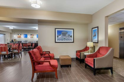 Lobby with sitting area | Comfort Inn South Chesterfield - Colonial Heights