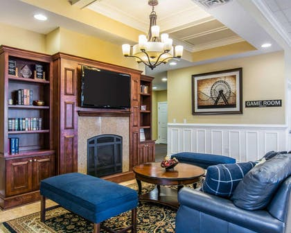 Lobby with sitting area   Bluegreen Parkside Williamsburg Ascend Resort Collection