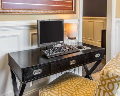 Business services available   Bluegreen Parkside Williamsburg Ascend Resort Collection