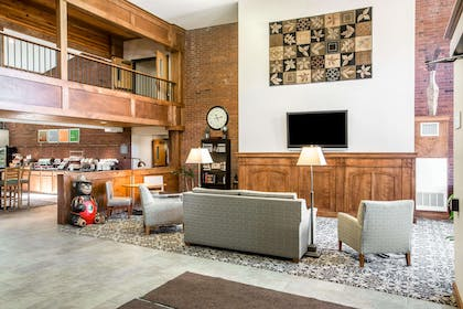 Spacious room with flat-screen television | Comfort Suites South Burlington near University