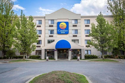 Comfort Inn hotel in White River Junction, VT | Comfort Inn