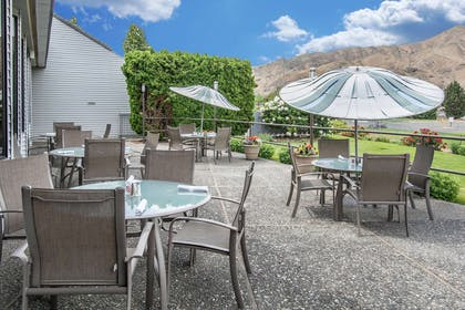 Relax on the hotel patio | Quality Inn Conference Center
